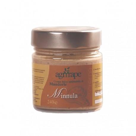 Minnula crema dolce spalmabile di mandorle siciliano.